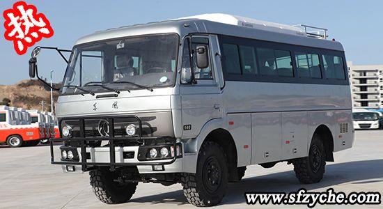 EQ6672CT型四驱客车
