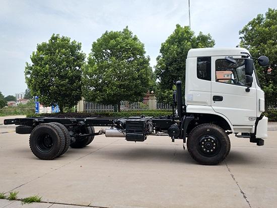 四驱随车吊6.3吨指导价:¥27.6-37.5万